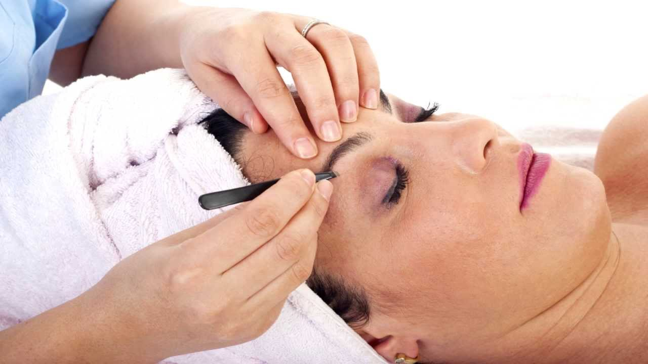 Top Remedies To Reduce Eyebrow Threading Pain