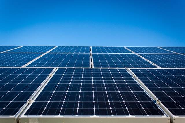 The Pros and Cons of a Solar Power Plant