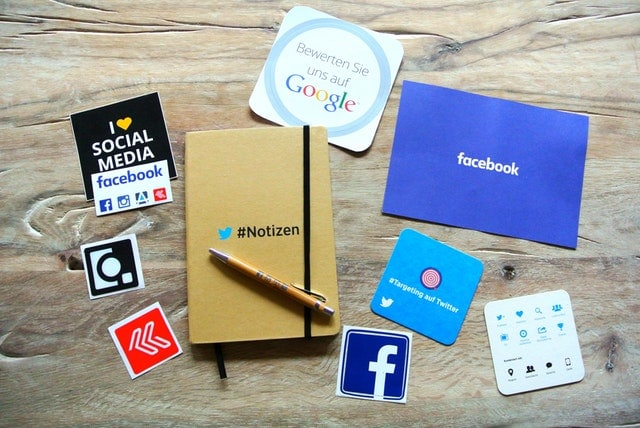 Top Essential Graphs for Your Social Media Dashboard